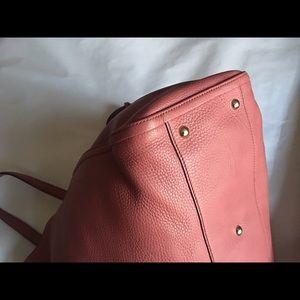 Gucci Bags - 💯 Authentic Gucci Medium Soho Shoulder Rose Bag